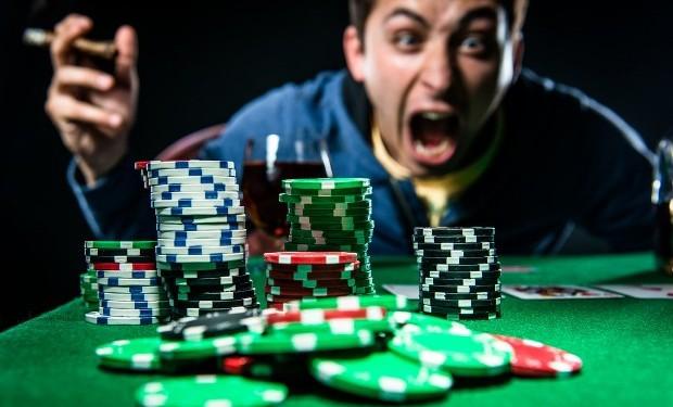 angry-poker-620x400